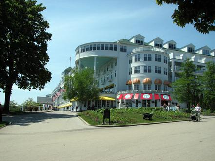 Mackinac_island_grand_hotel