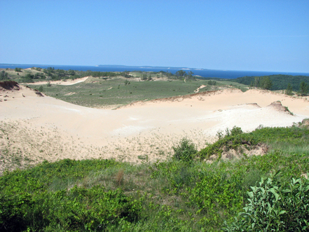 Sleeping_bear_dunes_overview