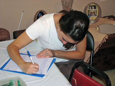 Shower_sissy_writing_her_letter