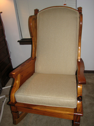 Rocking_chair_front_after_2