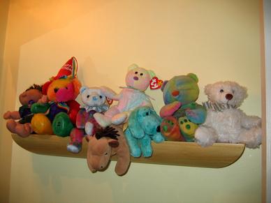 Second_bath_beanie_babies_shelf
